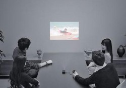This Dandy Gadget: Trying to satisfied your need in seeing your phone video or picture at large scale, KDDI Japan released its pico projector, iida G9 pico projector. The working of this device is simple, you just connect your mobile phone that compatible with the device, such as: G9, Cyber-shot […]