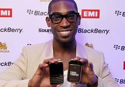 What kind of a luxury smartphone does suit a celebrity? Don't ask me! But according to Tinie Tempah, one of the best rapper, Amosu Couture 24ct Gold Blackberry is a right choice. Well, you can guess. On the back cover, the gadget is decorated by Tinie Tempah's things: logo or […]