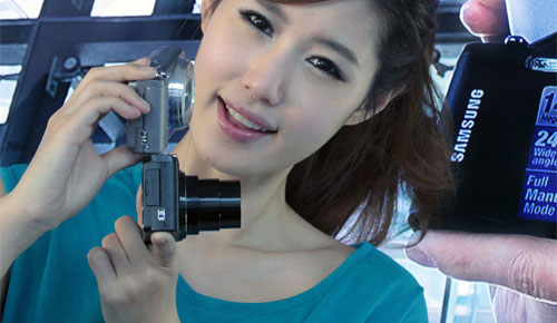 Samsung_WB700_Compact_Digital_Camera_Elegant_Black_Beautiful_Teen_Korean_Model_Duo_Full_Body_Digital_Cameras_Gadgets