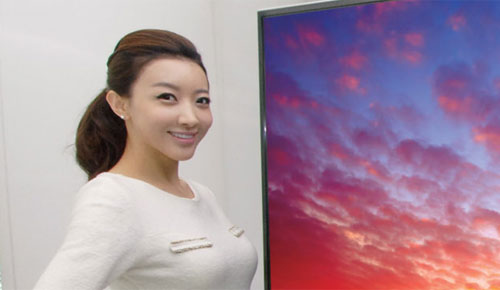LG_84Inch_3D_UD_4K2K_TV_Elegant_Slim_Design_Front_Left_Sexy_Teen_Korean_Model_Smile_Dandy_Gadget_Home_Entertainments