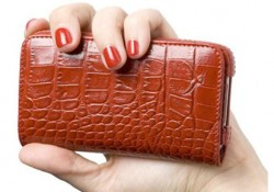 I am not talking about online payment such: Google Wallet or PayPal. We are discussing about this new Ottocase Nicea Croco Red leather purse that exclusively housing your iPhone 4/4S with suitable pockets for storing your credit cards, money or IDs. Without doubting its fashionable appearance with sexy croco red […]