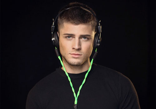 Scotty-Bz-headphones-green-cute-man-model